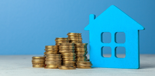 Investors drive loan commitments to new high: ABS