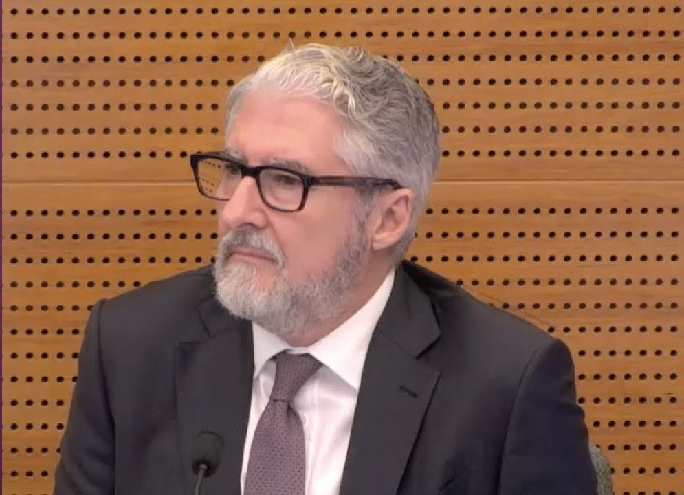 Ex-ASIC manager to review banking code watchdog