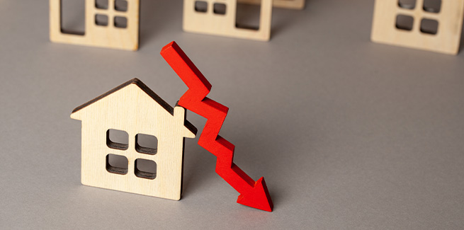 monthly fall in property prices